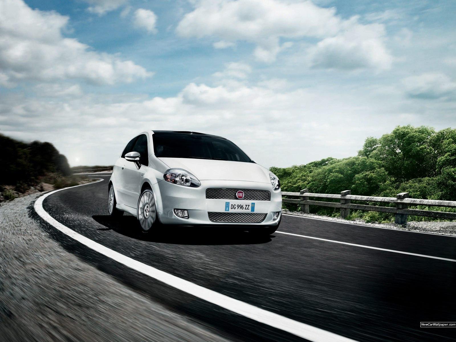 Fiat_Grand_Punto_8483_1600x1200