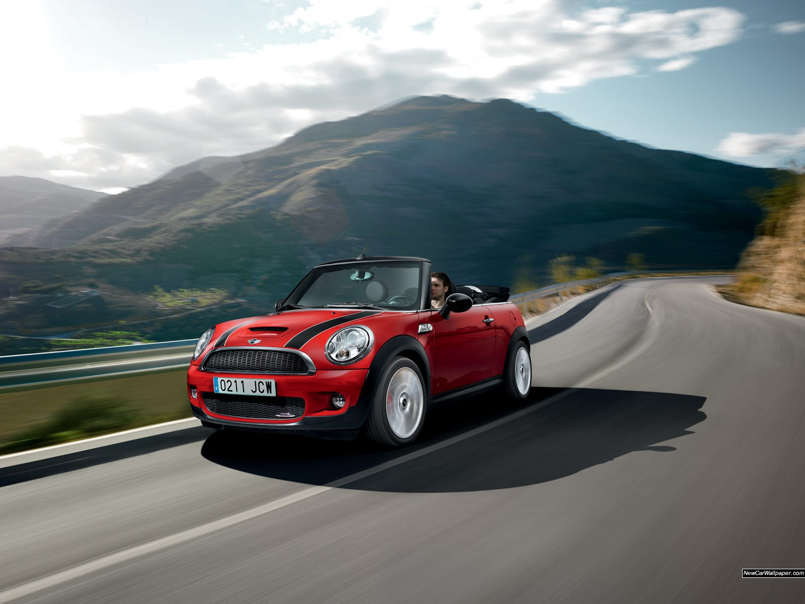 Mini-John-Cooper-Works-Convertible_9679_1600x1200